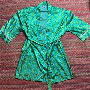 VINTAGE SILKY ORNATE DAMASK ROBE
